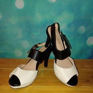 Naturalizer black,&cream sling back heels size 4